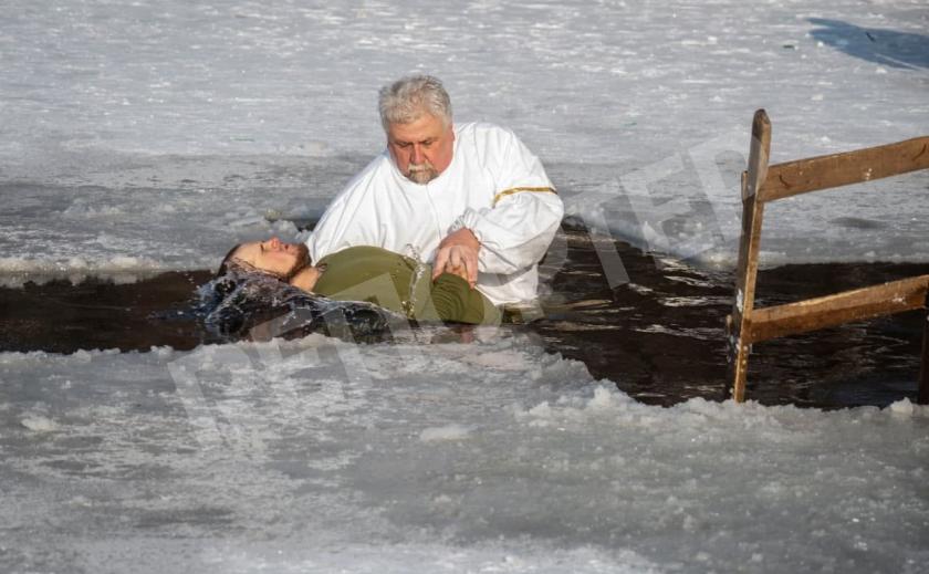 Военнослужащий Давид покрестился на Крещение