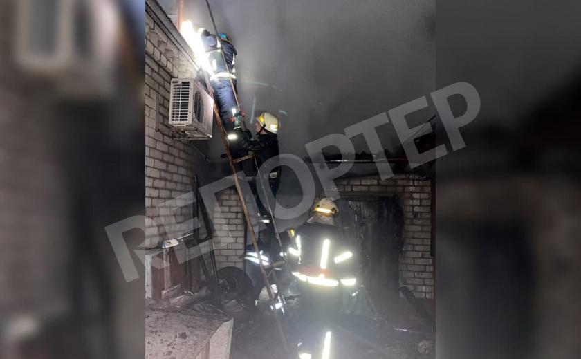 В Новомосковске на улице Толстого случился пожар