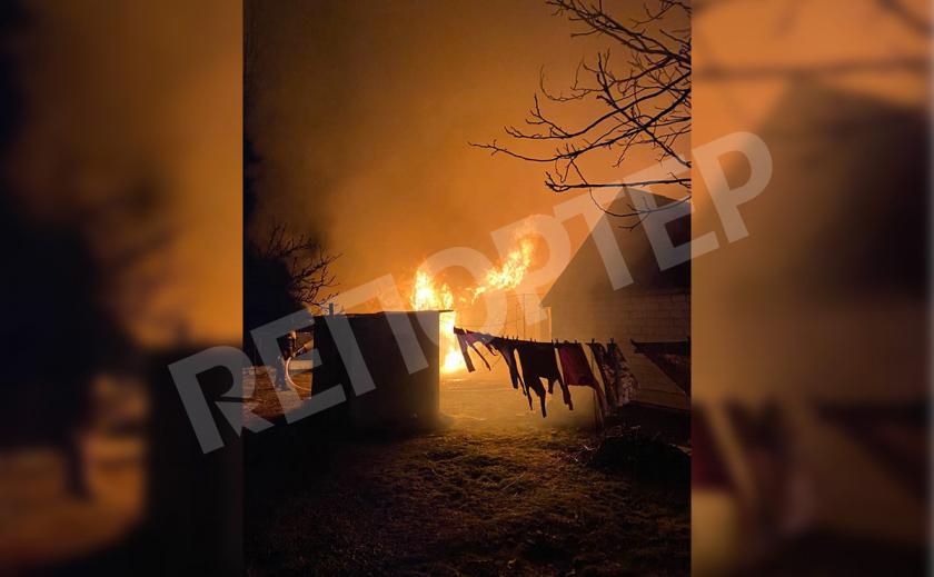 Попарились... В Новомосковске сгорела баня