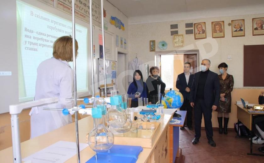 В двух школах Новомосковска появились STEAM-лаборатории