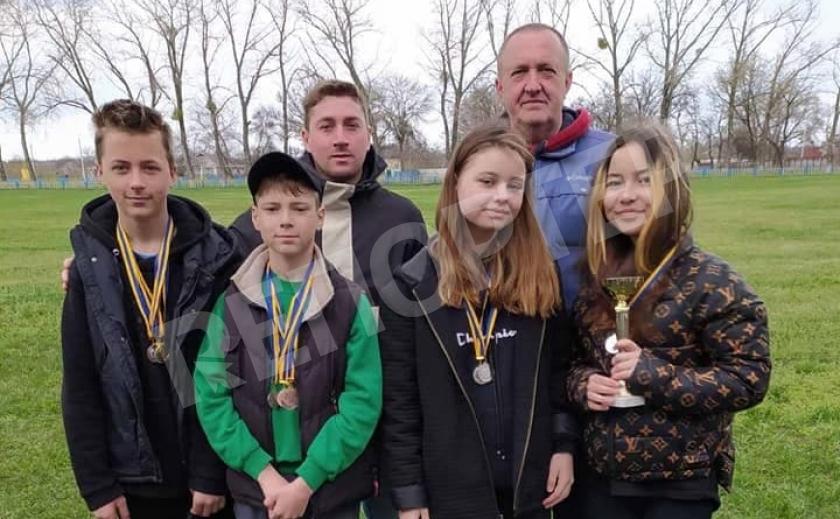 Новомосковские школьники соревновались в легкой атлетике