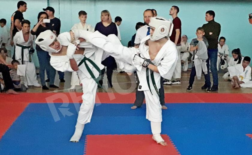 Новомосковец Артем Козак выиграл турнир по киокушинкай каратэ «Кубок Єдність»