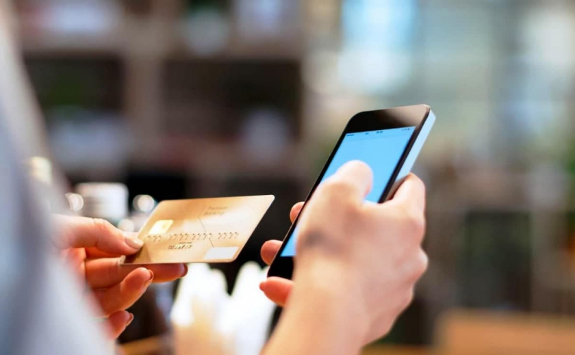 В Новомосковске местный житель «наловчился» воровать деньги с банковских карт