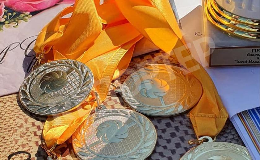В Новомосковске прошел памятный турнир по волейболу