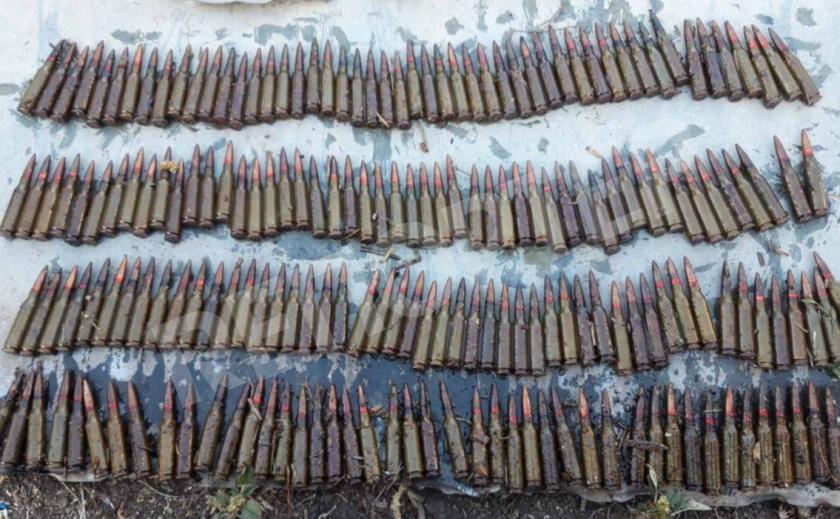 Новомосковец хранил дома целый склад боеприпасов